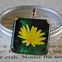 Simply Sweet Glass Tile Pendant